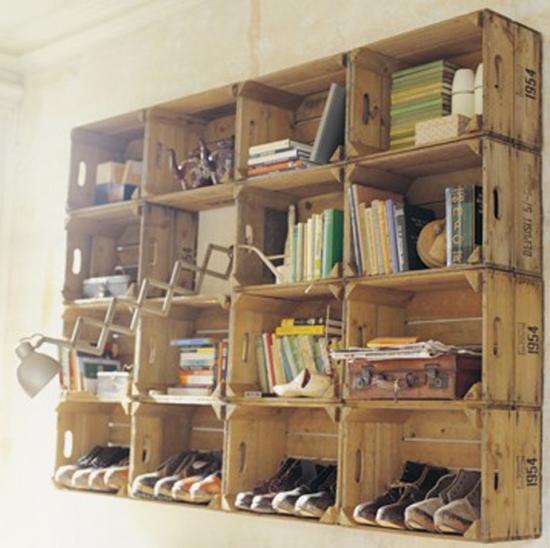 utilisez des boites en bois et des palettes pour ranger