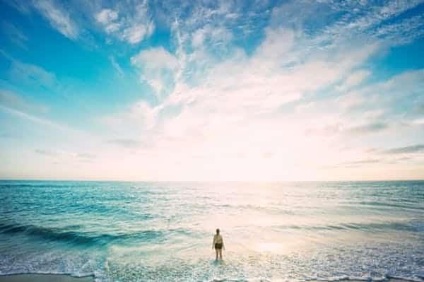 Aller à la plage permet de réduire les effets de la dépression.