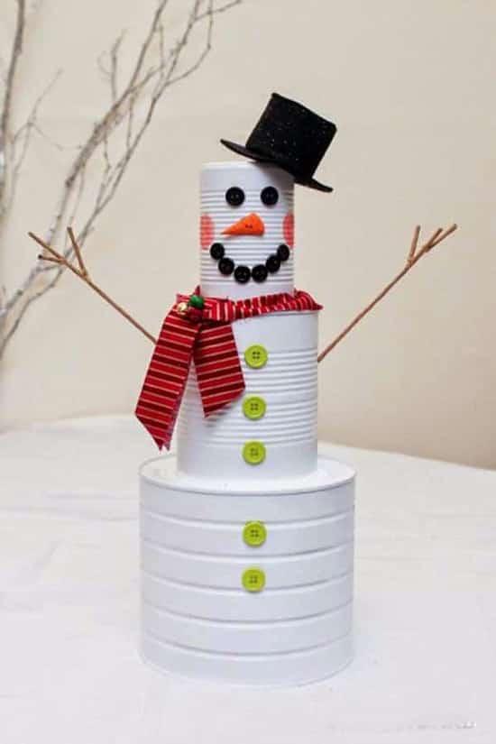 quelques boites de conserve pour faire un bonhomme de neige