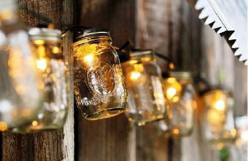 recycler vieux pot de yaourt pour illuminer jardin