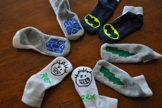 diy des chaussettes antid rapantes pour vos enfants. Black Bedroom Furniture Sets. Home Design Ideas