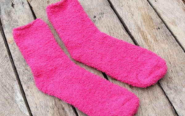 Utilisez des chaussettes à la place de lingettes swiffer