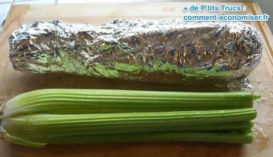 Utilisez du papier d'alu pour conserver le céleri