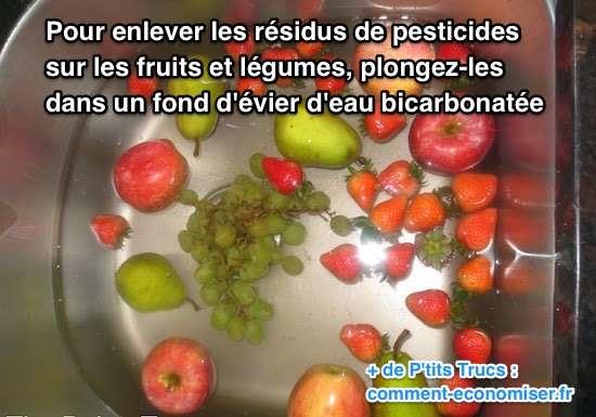 Trempez vos fruits et légumes dans l'eau bicarbonatée pour enlever pesticides