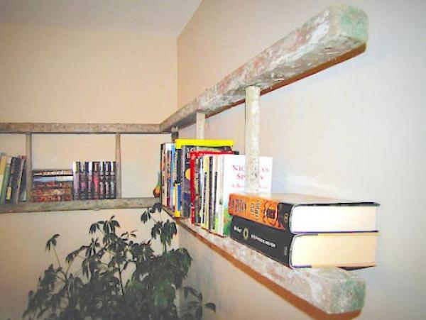 faites une bibliothèque avec une vielle échelle