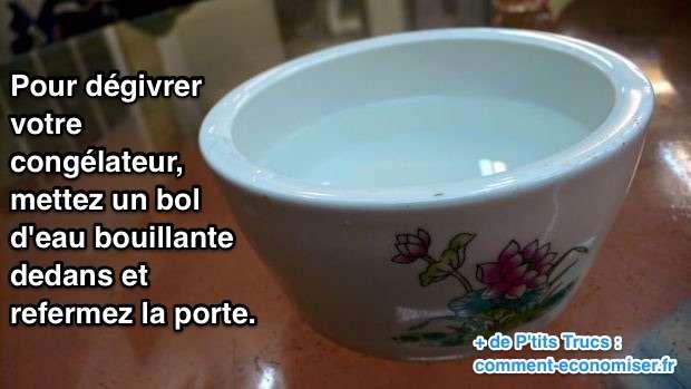 Un bol d'eau bouillante