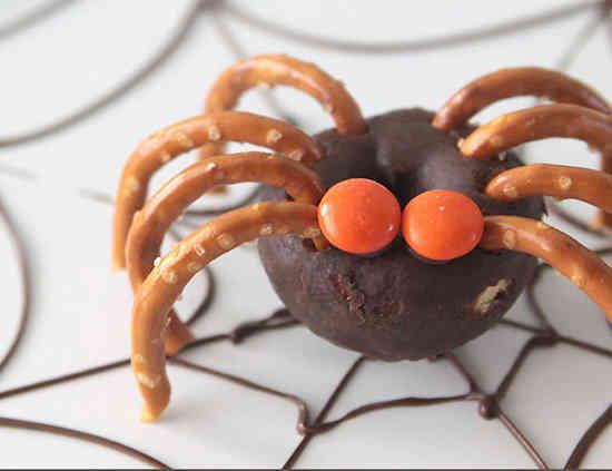 des donuts en forme d'araignée