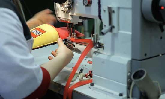 fabrication des pantoufles anti lego
