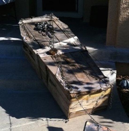 Comment faire un cercueil en palettes