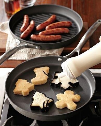 Faire des pancakes en forme de noel