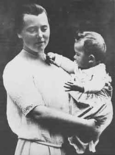 Hilde Mangold est une grande embryologue