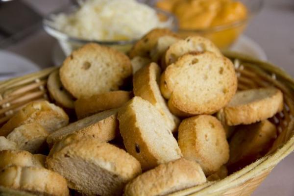 faire des croutons avec du pain rassi