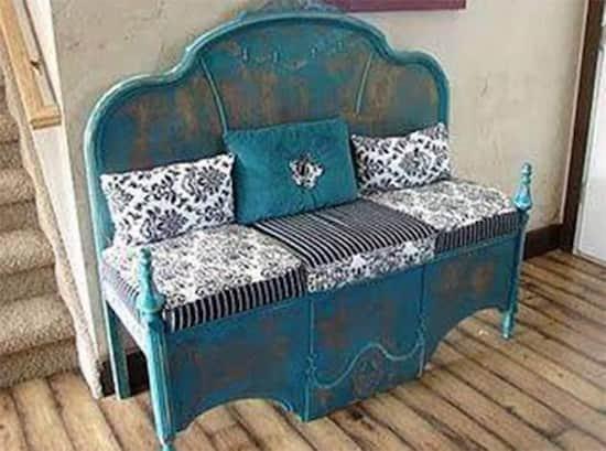 Projet déco : transformez une tête de lit et un pied de lit retourné en banc