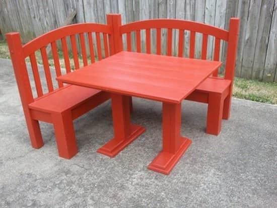 Projet déco : transformez un lit en bois en banc d'angle pour vos enfants