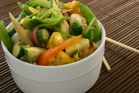 Je mange des légumes cuits à la vapeur