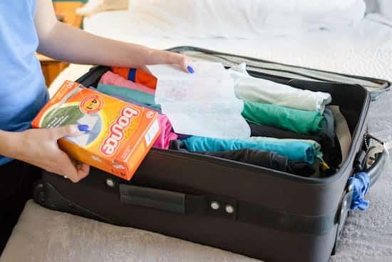 lingette parfumée dans la valise contre mauvaises odeurs