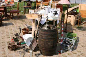 les vides greniers pour trouver des meubles pas chers