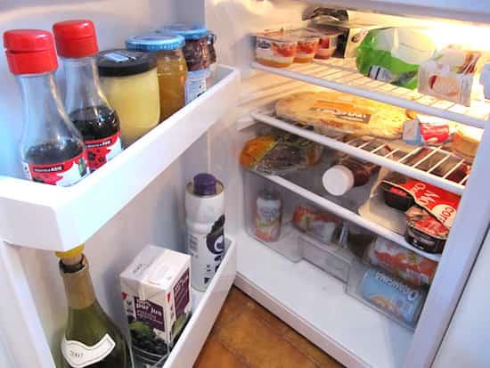 Les 12 secrets des gens qui ont toujours une maison nickel for Laver frigo vinaigre blanc