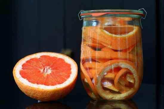 jus d'orange pour faire fuir les fourmis