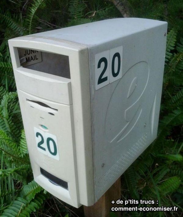 Ordinateur recyclé en boites aux lettres