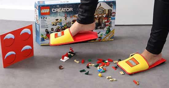 des pantoufles pour protéger les pieds des legos par terre