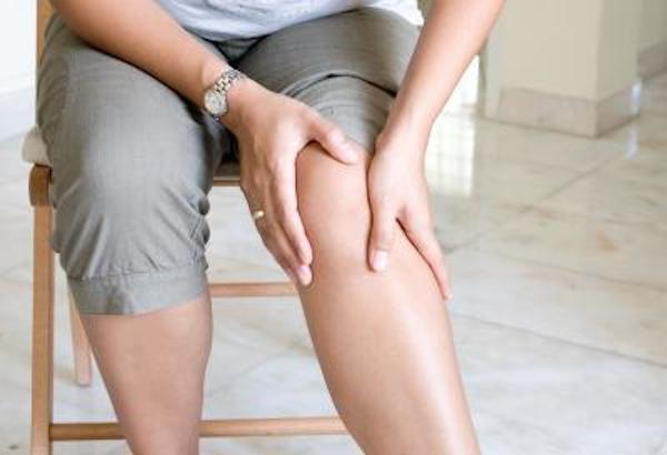 Utilisez la peau d'oignons pour soigner crampes jambes