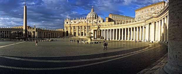 Place du Vatican sans personne