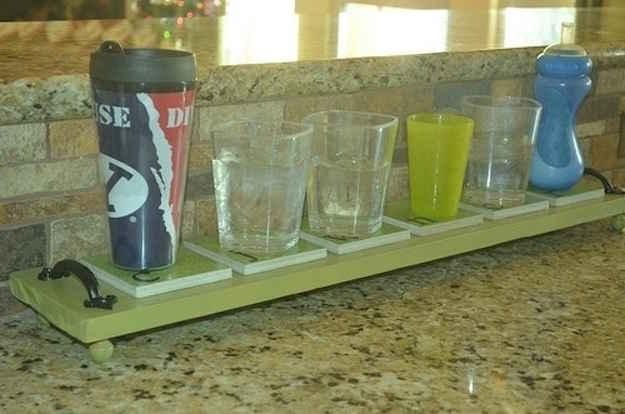Plateau de dessous de verres pour ne pas faire la vaisselle