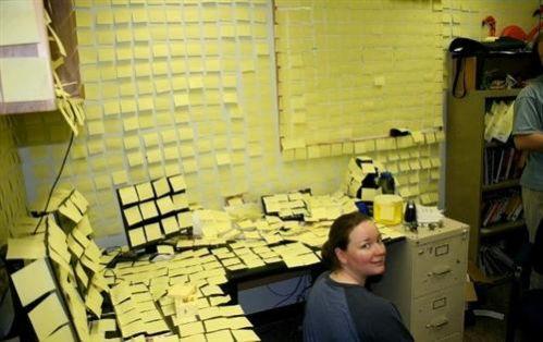 Mettre des post-its partout pour être le moins productif possible