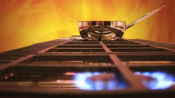 une casserole en train de chauffer