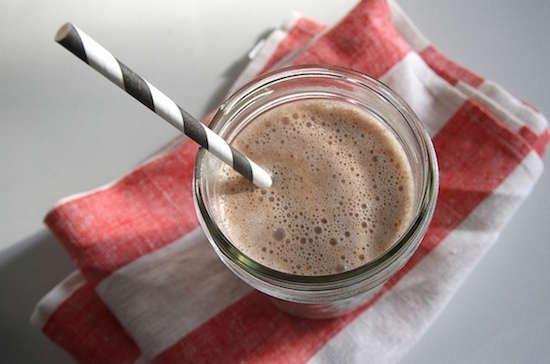 Un simple lait au chocolat est la solution idéale pour un apport en protéines.