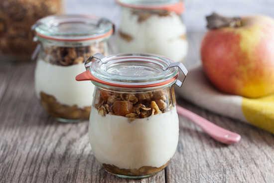 Quelle est la différence entre le yaourt grec et le yaourt normal ?