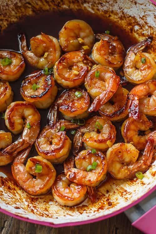 Laissez mariner les crevettes pendant 15 min ou jusqu'à 12h