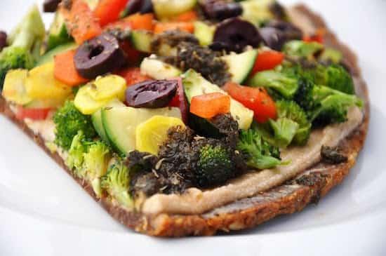 Manger cru est de loin la meilleure solution pour éviter les substances nocives formées lors de la cuisson à haute température.