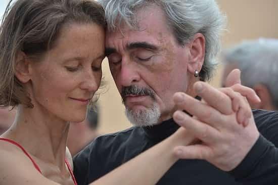 la danse ralentit le vieillissement du corps et des neuronnes