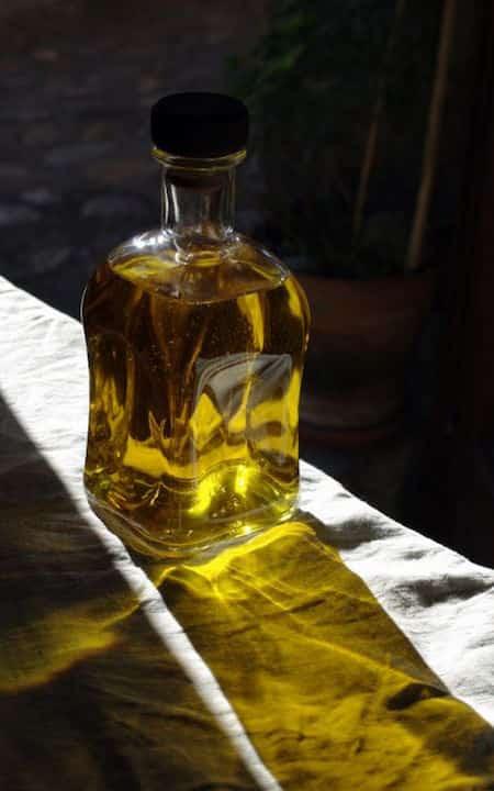 l'huile d'olive soulage les maux de gorge