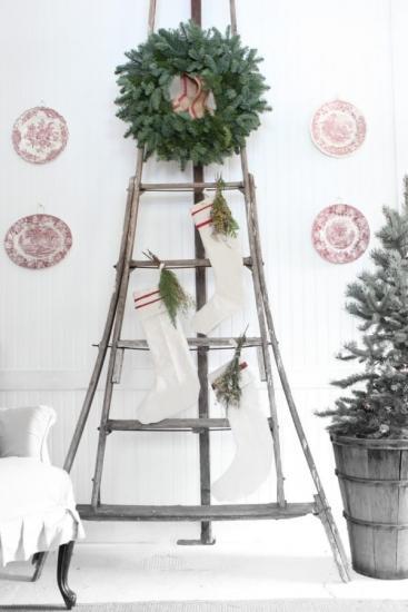 faites un arbre de noel avec une échelle recyclée