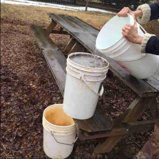 La lessive la cendre de bois la recette de grand m re - Seau a cendre ...