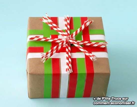 Cadeau emballé dans du papier kraft
