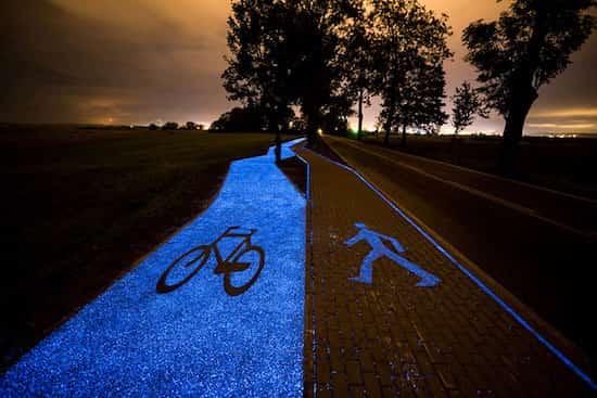 La Pologne inaugure une piste cyclable solaire bleue