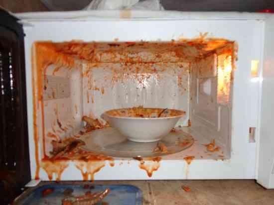 la sauce tomate explose dans le micro onde