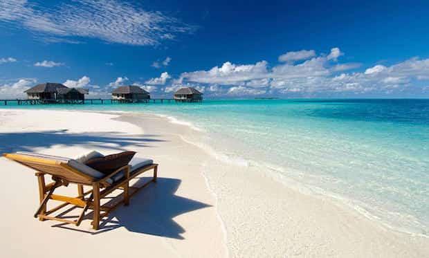 Se détendre sur les belles plages de Maldives