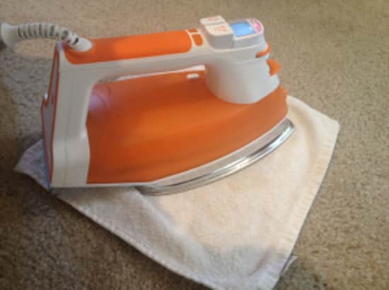 Comment faire dispara tre une tache sur la moquette avec du vinaigre blanc - Comment nettoyer un fer a repasser ...