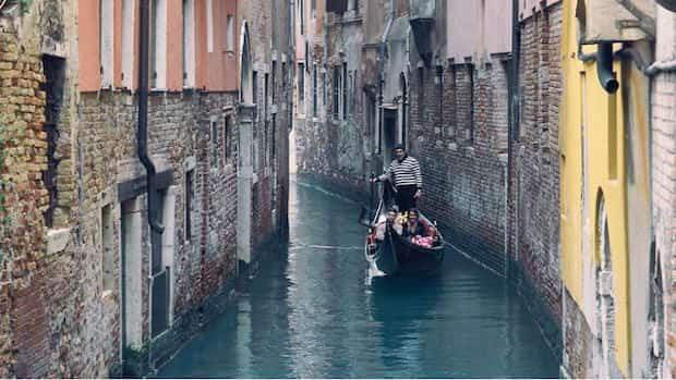 Faire un tour tranquille en Gondole à Venise
