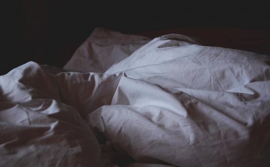 Mettre des draps en coton pour mieux dormir quand il fait chaud