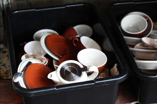 Si vous êtes plusieurs à faire la vaisselle, attribuez un bac différent à chacun