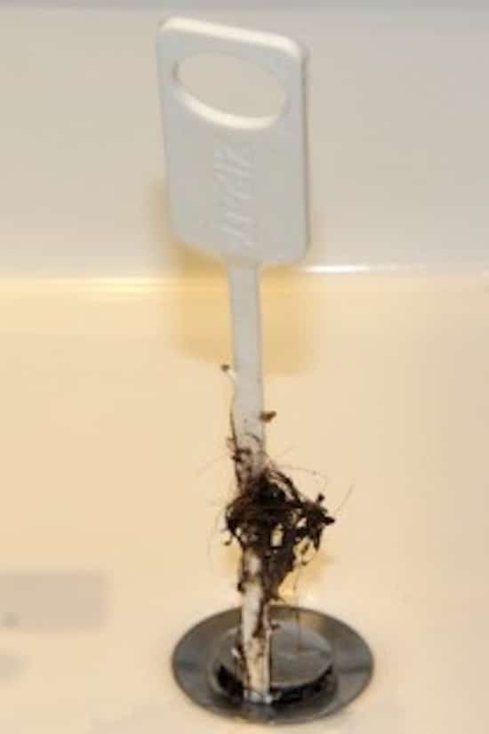 déboucher les canalisations pour enlever cheveux avec zip it