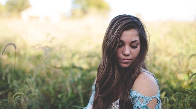 10 Conseils de Pro Pour Avoir de Beaux Cheveux Facilement.