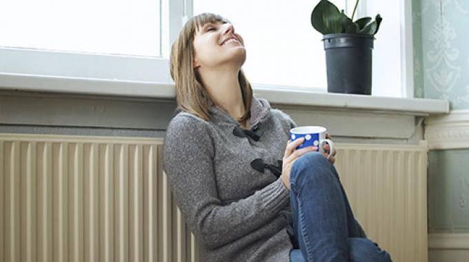 comment consommer moins de chauffage avec des rideaux devant les portes et les fen tres. Black Bedroom Furniture Sets. Home Design Ideas