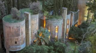 Cet architecte transforme une vielle usine pour en faire une maison